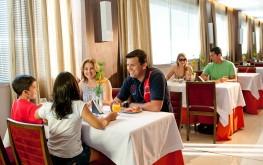 hotel-praia-centro-fortaleza-restaurante-hospedagem-gastronomia-familia